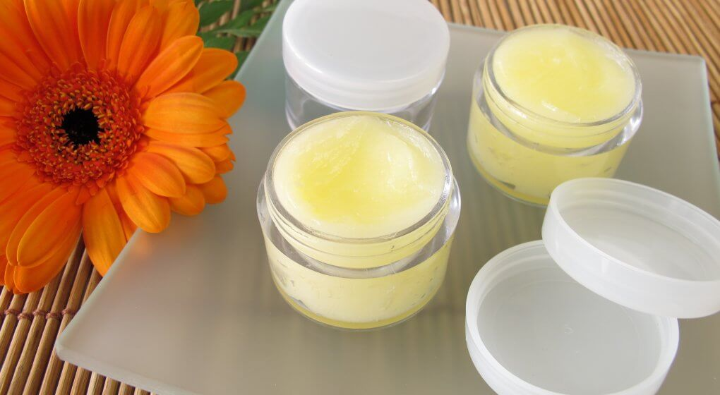 Essential-Oils-and-Recipes-for-Lip-Balm